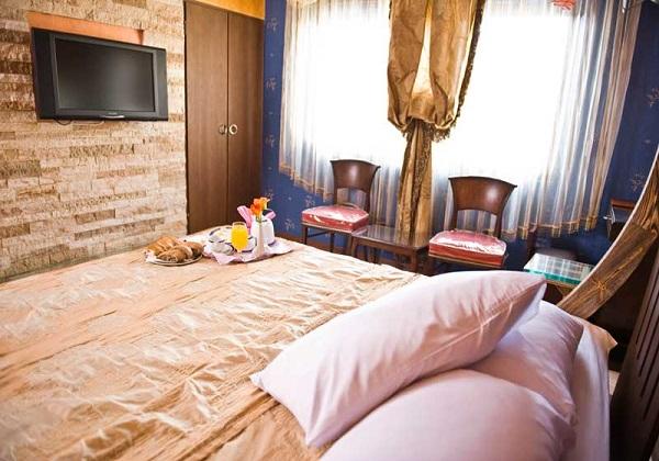 Ferdowsi-Hotel